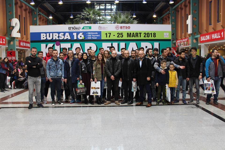 Bursa'da Gençler Kitap Fuarında Buluştu