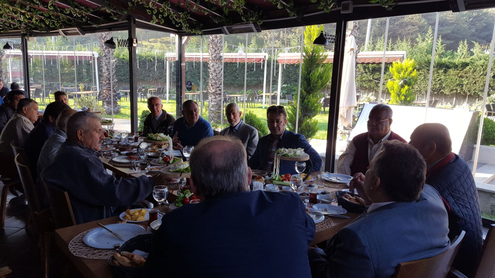 Genel Başkan Adapazarı'nda Kahvaltıda Kurucular ve Yöneticilerle Buluştu