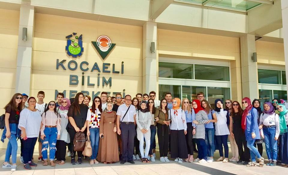 İskeçe Türk Birliği Gençlik Kolları İzmit'te Ağırlandı