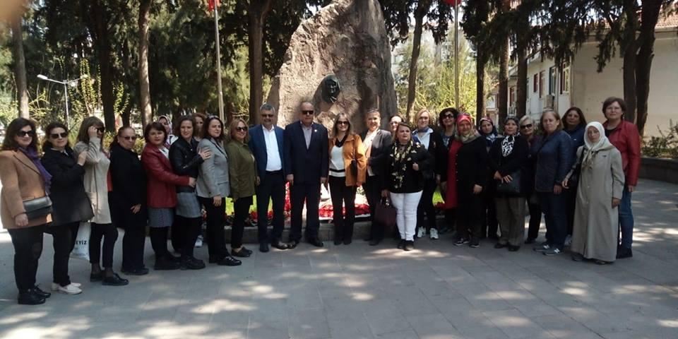 İzmir Kadın Kollarından Zübeyde Hanım Anıt Mezarı ve Latife Hanım Köşküne Ziyaret