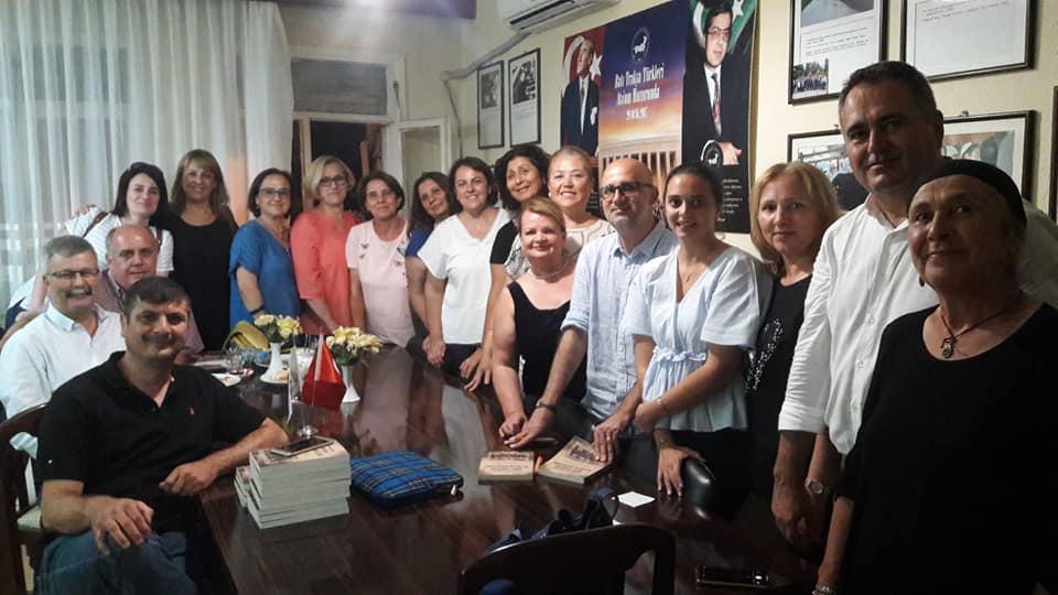 İzmir Şubemizde Sebahattin Abdurrahman'ın İmza Günü Gerçekleşti