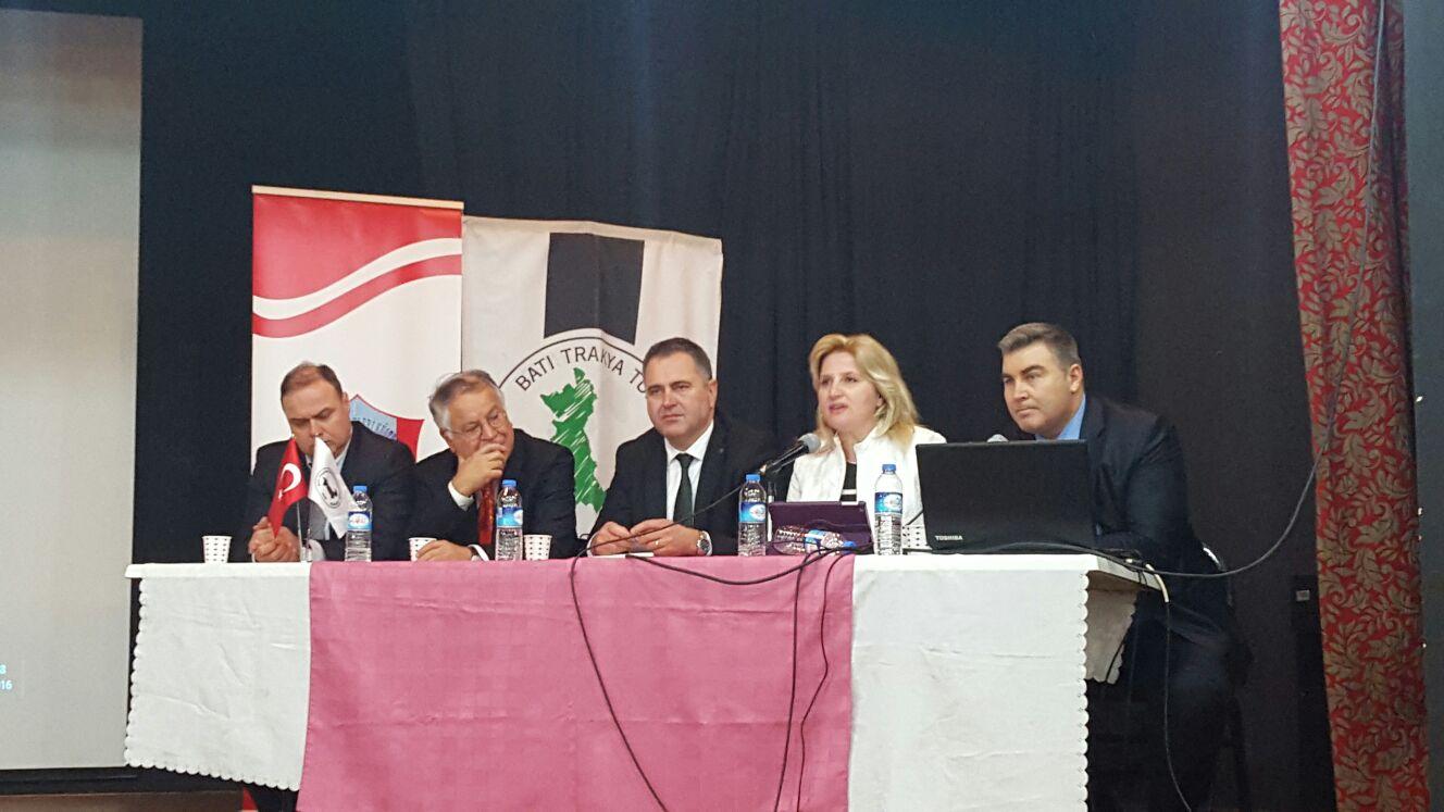 İzmir'de Yunanistan'da Yaşayan Türklerin Güncel Sorunları Konulu Panel Yapıldı