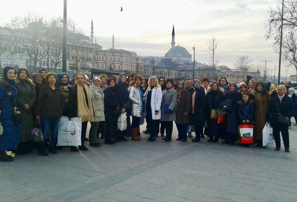 İzmit Şubesi Kadın Kolları  İstanbul'a Gezi Düzenlendi