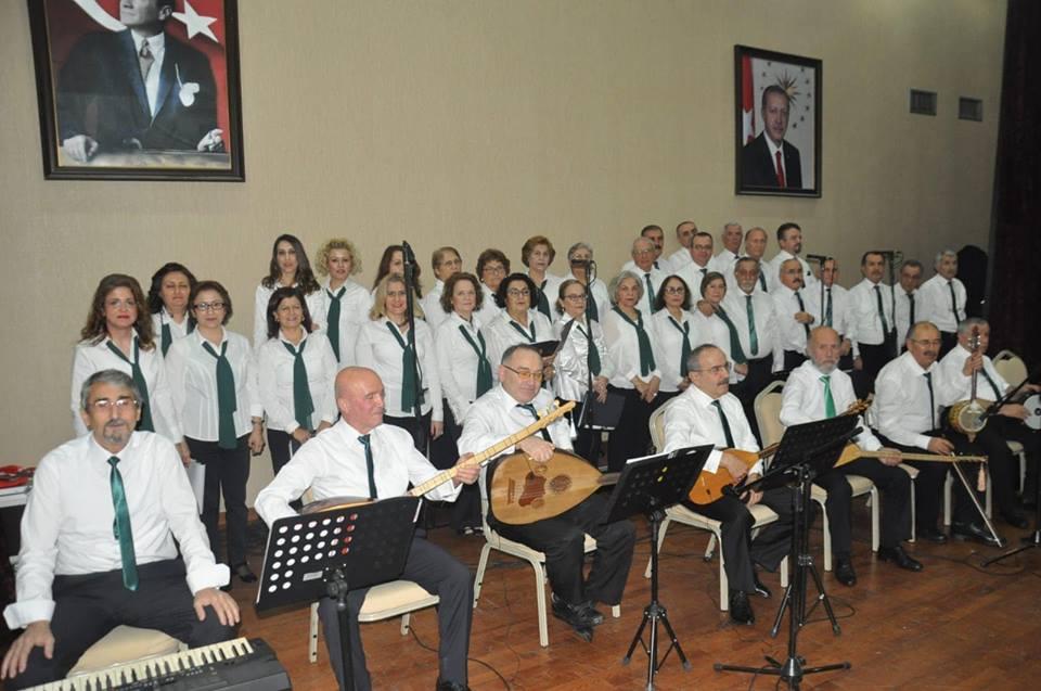 İzmitte Türk Halk Müziği Koro Konseri Düzenlendi