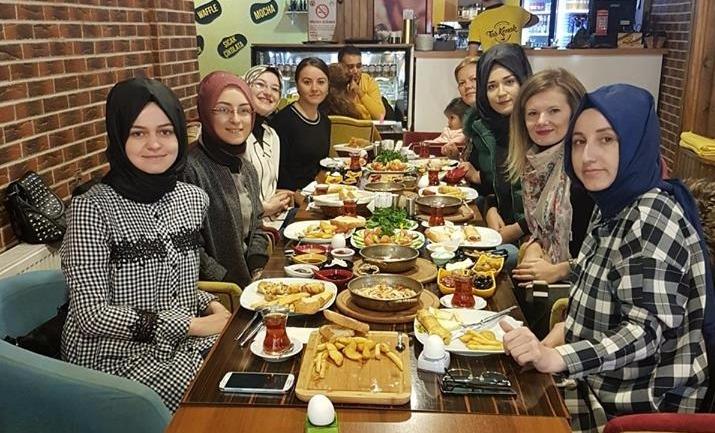 Soma Kadın Kolları Yönetimi Kahvaltıda Buluştu