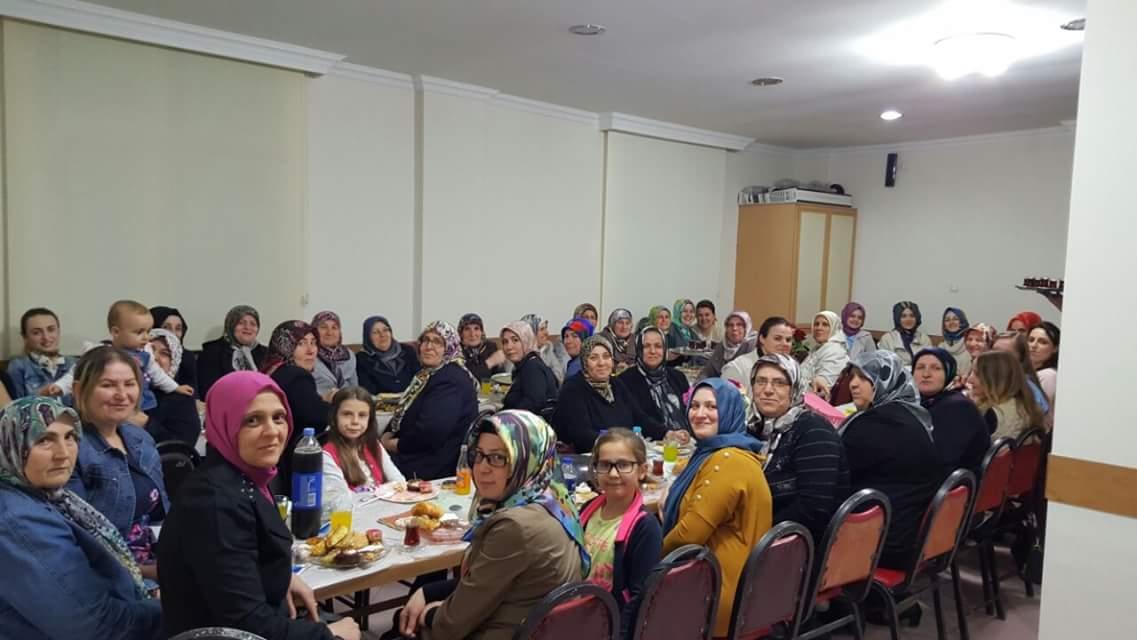 Soma Kadın Kollarından Üyelere İkram Günü